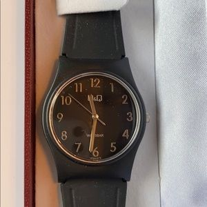 NWT Q&Q Water resistant Japanese watch